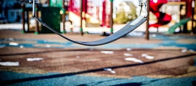 Pavimento in gomma parco giochi bambini