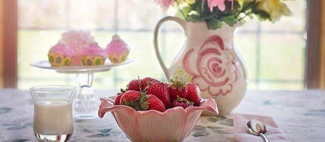 Colazione disintossicante con fragole