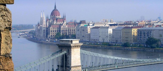 Ungheria-parlamento