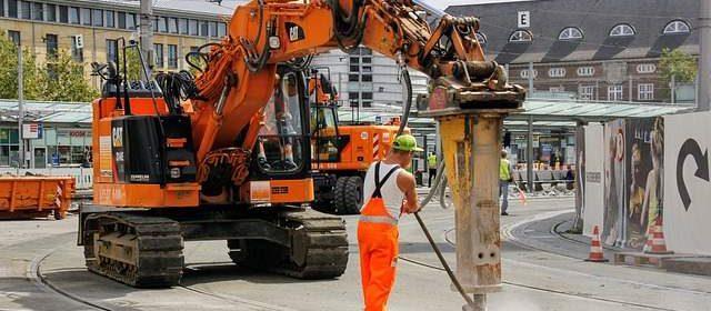 Lavoratori edili macchine per scavo