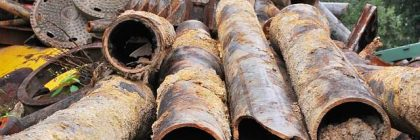 Rottami di ferro in discarica